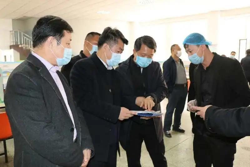 包头市人大常委会副主任郭甫欣到一机一中检查指导学校疫情防控和开学准备工作